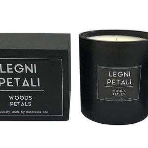 Woods and Petals Fragrance  Masculine Scent Candle